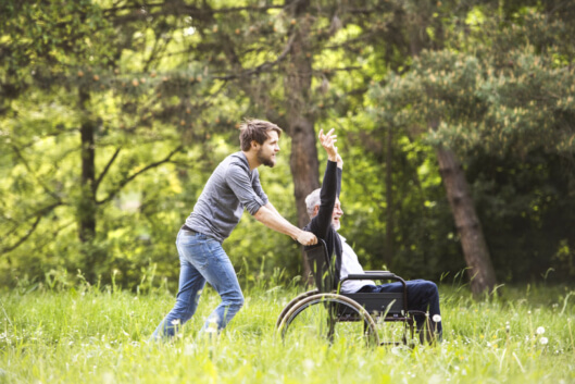 the-benefits-of-the-outdoors-for-your-senior-parents