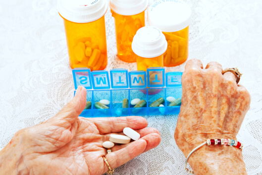 managing-medications-for-seniors-a-quick-guide-for-family-caregivers